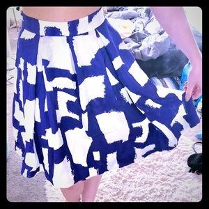 Kate Spade Blue and White Abstract Skirt Size 2